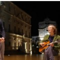 Kings of convenience cantano in italiano a Siracusa
