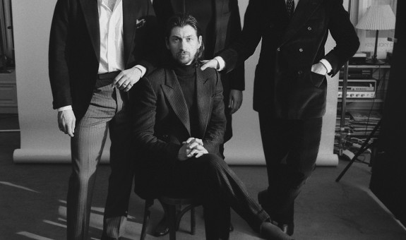 Arctic Monkeys: è Tranquility Base Hotel & Casino il nuovo album.